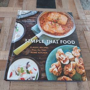 Simple Thai Food Book- Classic Recipes
